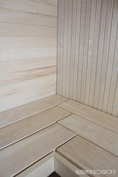People have been enjoying the benefits of saunas for centuries. Spending just a short while relaxing in a sauna can help you destress, invigorate your skin Portable Steam Sauna, Sauna Steam Room, Sauna Room, Saunas, Mini Sauna, Sauna Lights, Piscina Spa, Sauna House, Sauna Design