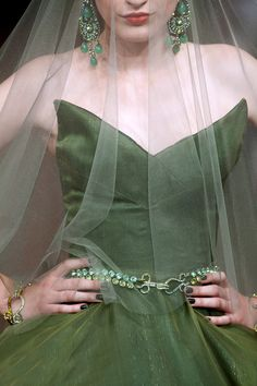 Alexis Mabille Fall 2011 Haute Couture- I love the shimmer in this material Green Fashion, Love Fashion, Womens Fashion, Alexis Mabille, Green Gown, Pantone Color, Shades Of Green, Fashion Details, Couture Fashion