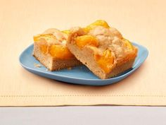 Yum! Check out the Just Peachy Pie Bars from Lucky Leaf. I'm going to try it, and you should too!