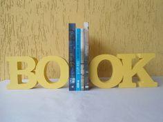Book aparador de livro.  Linda peça para decorar e organizar seu cantinho de leitura.  Peça em MDF pintada ao estilo decorativo.  Pode-ser feito em outras cores, consulte-nos. R$ 88,00