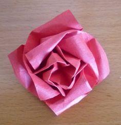 origami facile fleur, une jolie rose