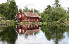 Love the barn off the pond!