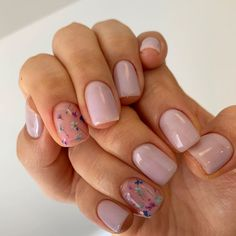Many women prefer to attend the hairdresser even though they don't have time to apply shine to their nails among … Aycrlic Nails, Hot Nails, Nail Manicure, Swag Nails, Hair And Nails, Minimalist Nails, Dream Nails, Types Of Nails, Perfect Nails
