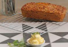 Probeer gerus die Koekedoor Corli se resep vir bierbrood met mielies, kaas en spek.