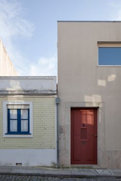 Flat in Porto by Eduardo Souto de Moura is arranged around a pair of secluded courtyards