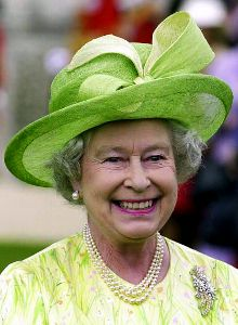 Queen Elizabeth, July 16, 2002 in Frederick Fox | Royal Hats