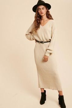 Ribbed Knit Dress, Ribbed Fabric, Ribbed Sweater, Sweater Dress Outfit, Pinterest Fashion, Sweater Fashion, Timeless Fashion, Fashion Outfits, Balloon Sleeves