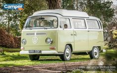 1968 Doormobile VW Campervan - Desktop Wallpaper