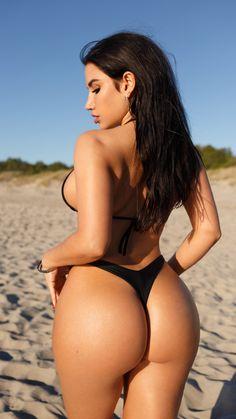 The most beautiful and sexy models as we like to see. Sexy Bikini, Bikini Girls, Bikini Set, Cuerpo Sexy, Mädchen In Bikinis, The Most Beautiful Girl, Beautiful Beach, Cute Beauty, Brunette Girl