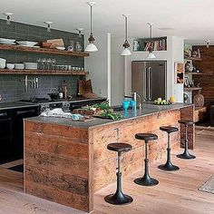 Modern Kitchen A modern-rustic beach house in The Hamptons - This stunning modern beach house was built in 1969 by Bates Masi Architects, located in Amagansett, The Hamptons, New York State. Industrial Kitchen Design, Interior Design Kitchen, Kitchen Designs, Industrial Bathroom, Rustic Industrial Kitchens, Wooden Kitchens, New Kitchen, Kitchen Decor, Kitchen Ideas