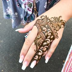 Hi everyone , welcome to worlds best mehndi and fashion channel Zainy Art . Hope You guys are liking my daily update of Mehndi Designs for Hands & Legs Nail . Modern Henna Designs, Floral Henna Designs, Back Hand Mehndi Designs, Latest Bridal Mehndi Designs, Modern Mehndi Designs, Henna Art Designs, Mehndi Designs For Girls, Mehndi Designs For Beginners, Wedding Mehndi Designs