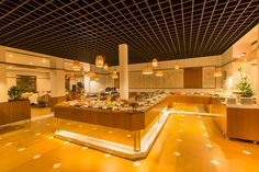 The Tharavadu buffet restaurant serves the best of Kerala and rest of the world's finest cuisines. It is open for breakfast, lunch and dinner, with a live band (EXODUS) playing classic rock and more on Fridays, Saturdays and Sundays. Tharavadu (7 am to 11 pm)