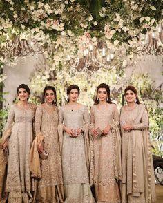New wedding dresses pakistani sisters groom outfit ideas Pakistani Wedding Outfits, Pakistani Bridal Dresses, Pakistani Wedding Dresses, Trajes Pakistani, Pakistani Lehenga, Anarkali, Bridal Dupatta, Walima Dress, Bride Sister