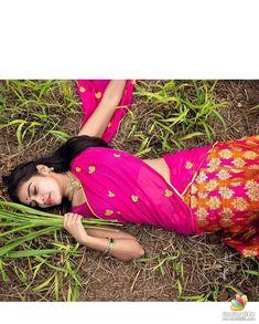 Beautiful Girl Photo, Cute Girl Photo, Beautiful Girl Indian, Beautiful Saree, Cute Girl Poses, Girl Photo Poses, Girl Photos, Indian Actress Photos, Indian Actresses