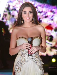 Cyrine Abdelnour: A classy and gorgeous Arab diva of Lebanon
