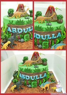 Dinosaur cake! - Cake by YumZee_Cuppycakes