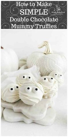 These chocolate mummy truffles are spooky on the outside but oh so yummy on the inside! Edible Eyes, Easy Party Food, Food Website, Frugal Meals, Recipe For Mom, Dark Chocolate Chips, Unique Recipes, Light Recipes, Cupcake Cookies