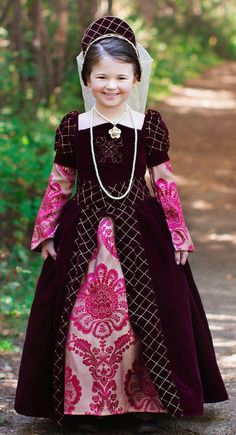 Tudor Costume/ Awww for my girls!!!!!!!!!!
