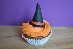 Cupcake chapeau de sorcière halloween