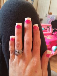 Pink white solar nails White Acrylic Nails, White Nails, Pink Nails, Pretty Nail Colors, Pretty Nails, Summer Nails Neon, Solar Nails, Nails Short, French Tip Nails