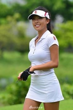 Like some other sport, golf requires players to wear proper golf attire, including ladies golf attire for women golfers. Most golf courses require dress codes, strictness of observance that varies on Girl Golf Outfit, Cute Golf Outfit, Girls Golf, Ladies Golf, Golf Sexy, Golf Attire, Golf Player, Lpga, Sporty Girls