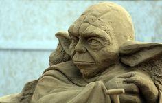 Insanely Detailed Sand Sculptures Of Famous Movies - gefunden und gepinnt vom Immobilien Büro in Hannover Makler arthax-immobilien.de
