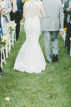 Photography: onelove photography - onelove-photo.com  Read More: http://www.stylemepretty.com/california-weddings/2014/04/07/rustic-wedding-with-pops-of-yellow-at-park-winters/