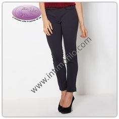 Pantalone donna morbido con gamba stretta impunture sul davanti e tasche. c2f4df9ea56