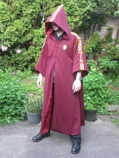 View details for the project POA style Quidditch robes on BurdaStyle.