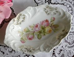 Bavarian china ~ I would use this as a soap dish on top of my bathroom counter Antique Dishes, Vintage Dishes, Vintage China, Soap Dishes, Candy Dishes, Heritage Rose, Vintage Candy, China Plates, China Painting