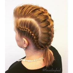 """114 tykkäystä, 10 kommenttia - Heli (@braidingbad) Instagramissa: """"Today I was requested to make a rocking braid that could possibly also take some years off of this…"""""""