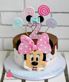 Minnie Kuchen - Geburtstagstorte - You are in the right place about happy Birthday Cake Here we offer you the most beautiful pictures about the Birthday Cake harry Minni Mouse Cake, Mickey And Minnie Cake, Minnie Mouse Birthday Cakes, Bolo Minnie, Mickey Cakes, Baby Birthday Cakes, Mickey Mouse Birthday, 2nd Birthday, Cake Baby