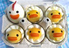 ¡La mona de Pascua no solo tiene que ser dulce! Mirad estos huevos duros para niños. Idea de @Carmen Escalona #huevos #cocina #Pascua