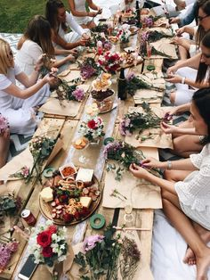 ➳ Where to Find Floral Crown Workshops for your Hens Party Bachlorette Party, Bachelorette Party Planning, Unique Bachelorette Party Ideas, Boho Hen Party, Boho Party Ideas, Classy Hen Party, Hen Party Decorations, Happy Tears, Besties