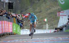 Nibali, un successo che sa di antico Vincenzo Nibali vince la sua quarta corsa a tappe e si appresta ad un'Olimpiade da grande protagonista. Il corridore siciliano è ormai diventato il ciclista italiano più forte dai tempi di Felice Gim #girod'italia #ciclismo #nibali
