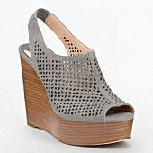 just got something similar to these but in taupe, love!