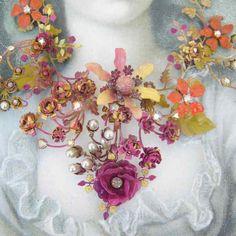 Tiramisu garden statement necklace. Very inspiring!