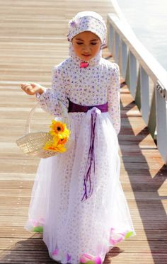 Love the tutu around the dress Spring Dresses Casual, Trendy Dresses, Modest Dresses, Nice Dresses, Dress Brokat, Dress Anak, Maxi Outfits, Kids Outfits, Kids Abaya