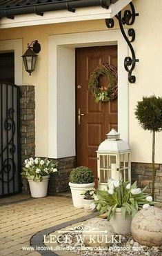 Vibrant valued porch design backyard Take the Quiz Front Door Entrance, Front Door Decor, House With Porch, House Front, Front Porch, Porch Kits, Porch Ideas, Building A Porch, Front Yard Landscaping