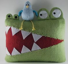 Hungry Alligator Pillow - diy pillow craft pattern - so cute!  Fun child room nursery decor #interior #design