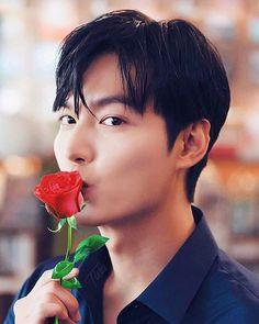 Park Shin Hye, Lee Min Ho Family, Le Min Hoo, Handsome Asian Men, Good Night Everyone, Lee Min Ho Photos, Seo Kang Joon, Boys Over Flowers, Lee Jong Suk