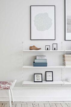 String Shelf - Pastel colors and soft wood floors Scandinavian Style, Scandinavian Shelves, Inspiration Wand, Interior Inspiration, Decoration Bedroom, Room Decor, String Shelf, Interior Styling, Interior Design