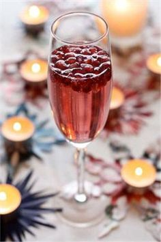 Holiday Cocktails: Pomegranate Champagne Punch | SocialTables.com ...