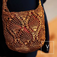 [ Rouge Verdi Hues ] A hand-knitted copper mesh combined with a bold red backdrop that intensifies the shine of this beaming handbag. La Mochila Verdi in copper and red. #VerdiDesign #WeavingIntoNature #Metal #Mochila #Rugs #Copper #Handmade #MadeInColombia #LaMochilaVerdi #Handbag #Metallic #Textiles #Weaves #Bespoke #Design #Fashion #FashionDesign #Art #Ootd #Colombia