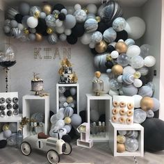 New birthday table balloons party planning ideas Deco Baby Shower, Baby Shower Backdrop, Shower Party, Baby Shower Parties, Baby Boy Shower, Boy Baby Showers, Boy Baby Shower Themes, Shower Games, Balloon Garland