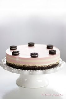 bake-a-boo: Oreo & Strawberry-Vanilla layers Cheesecake