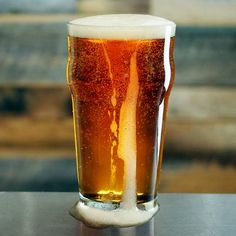 Russian River HopTime Harvest Ale IPA - calls for un dried hops, but they give you conversions for dried Brewing Recipes, Homebrew Recipes, Beer Recipes, Ale Recipe, Pale Ale Beers, Beer Photos, Brewing Equipment, Home Brewing Beer, How To Make Beer