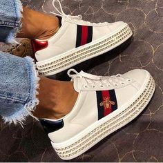 """""""Mi piace"""": 1,364, commenti: 22 - F A S H I O N B O O M (@fashion___boom) su Instagram: """"This #sneackers ❤️ Follow @fashion___boom Credit: @ DM please❤️ Shopping link in…"""""""