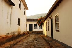 Rua típica - https://abussolaquebrada.wordpress.com/2014/12/04/tiradentes/