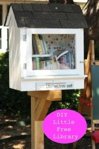 Little Libraries are a Big Hit, how cool is this idea!!